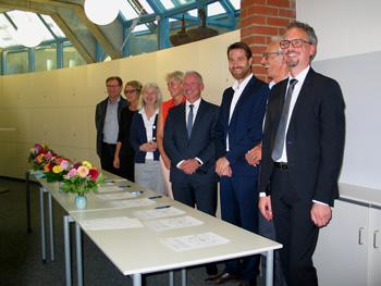 Acht Schulleiter, acht Einrichtungen, ein erklärtes Ziel: die Bildungskooperation.